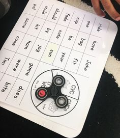 Is your June drawer filling up with fidget spinners? Here's a free literacy activity to focus your learners!