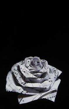 ghost_of_a_rose__by_akhenaten_aten-d3afhba.jpg (900×1421)