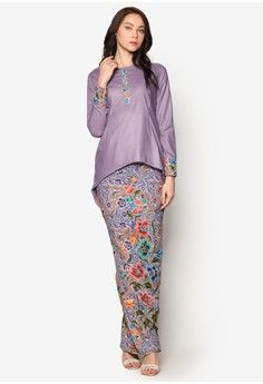 Buy Baju Kurung For Women Online Model Kebaya Modern, Kebaya Modern Dress, Kebaya Dress, Street Hijab Fashion, Muslim Fashion, Abaya Fashion, Batik Kebaya, Batik Dress, Traditional Fashion