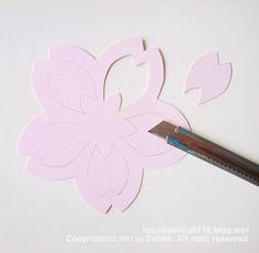 벚꽃 모빌 만들기_달리아의 봄맞이 인테리어 소품 DIY ♡ : 네이버 블로그 Origami, Ideas Para Fiestas, Paper Flowers, Paper Art, Baby Shower, Crafts, Craft, Ideas, Xmas