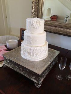 A girly, frilly wedding cake