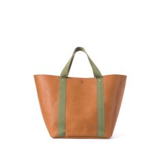 "The ""Big Daddy"": A beautiful leather boat and tote named after the iconic dune in Soussevlei, Nambia"