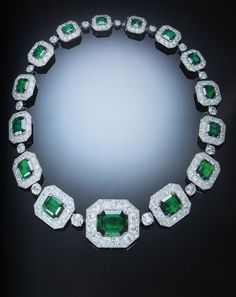 Clive Kandel - This may be my favorite all time emerald necklace...as if I could actually decide