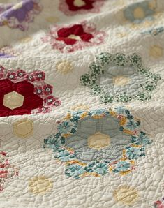 Antique Quilts: How to Buy, Repair, Wash, and Store Vintage Finds