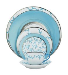 love the arrangement of scale and pattern....and the color ? say no more...:) Raynaud - Cristobal Turquoise