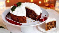 Μεθυσμένο κλασικό Χριστουγεννιάτικο κέικ Greek Desserts, Greek Recipes, Yummy Food, Tasty, Holiday Recipes, Christmas Recipes, Soul Food, Cake Pops, Christmas Time