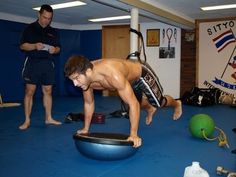 UFC Coach Holds MMA Fitness Trainer Certification in Okinawa, Japan. Call 098-936-8883 for more information.