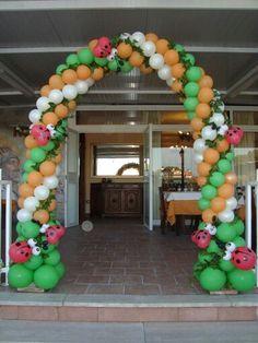 Organizamos hermosa #decoraciónparafiestasinfantiles, torres, esferas, flores, cortinas en globos y mucho más solicita nuestra cotización aquí 3134205547 / 3016039557 4019892/ 4125568