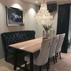 Repost from - Dining area - Modern interieurontwerp Dining Room Table Decor, Elegant Dining Room, Luxury Dining Room, Dining Room Design, Dining Nook, 70s Home Decor, Home Decor Kitchen, Home Living Room, Living Room Decor