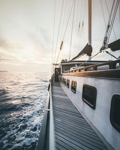 5 Popular Types of Sailboats and Why They're Loved – Voyage Afield Wanderlust, Cute Posts, Sail Away, Adventure Time, New England, The Dreamers, Cool Pictures, Beautiful Places, Ocean