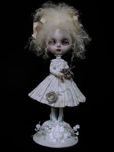 INTERMUNDIS, le blog officiel de Julien Martinez: 23 nov. 2010 Ooak Dolls, Blythe Dolls, Girl Dolls, Steampunk Dolls, Gothic Dolls, Rennaissance Art, Creepy Baby Dolls, Living Dead Dolls, Ugly Dolls