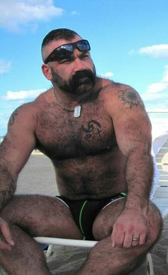 The only thing wrong with this #Hairy #SpeedoBear is that damn wedding ring!