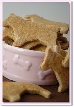 Chicken N' Gravy Dog Cookies.  1/2 Cup of Chicken gravy,  1 Cup of Chopped chicken,  1/2 Cup of Whole wheat flour,  1/2 Cup of Cornmeal,  1 Tablespoon of Margarine,  1 Egg.