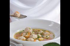 Slavnostní polévka s mandlovými knedlíčky | Apetitonline.cz