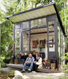 Are you planing make some a backyard shed? Here we present it to you 50 Best Stunning Backyard Storage Shed Design and Decor Ideas. Backyard Storage Sheds, Backyard Sheds, Tiny House Cabin, Tiny House Design, Gazebos, Greenhouse Shed, Studio Shed, Backyard Studio, Outdoor Rooms