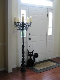 Repurpose the old chandelier into a Candelabra! Brilliant and beautiful and doesn't have to be black for Halloween. Halloween Prop, Casa Halloween, Holidays Halloween, Halloween Crafts, Halloween Decorations, Halloween Lighting, Shabby Chic Halloween Decor, Halloween Fence, Halloween Maze