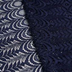 Tissus en ligne : La mercerie en ligne Pretty Mercerie vous propose ce tissu guipure bleu marine folk flower parfait pour travaux de couture à la mode