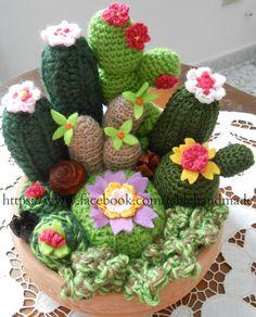 amigurumi cactus and flower crochet pattern Crochet Flower Patterns, Crochet Patterns Amigurumi, Crochet Dolls, Crochet Flowers, Free Crochet Bag, Diy Crochet And Knitting, Cute Crochet, Crochet Cactus, Crochet Leaves