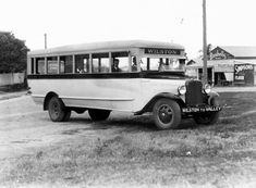 Wilston-Fortitude Valley Reo bus, 1933