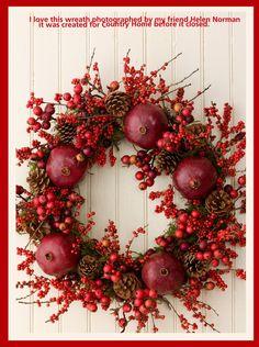 What a festive, natural Christmas Wreath