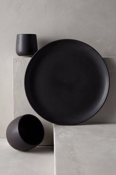 Spring is officially here today but I am feeling a little black! Matte black objects are drawing my attention lately. A couple of months ago I got two matte black bowls in Ikea and, every time I us…