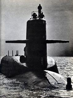 scanzen:  USS Patrick Henry (SSBN-599) Washington osztályú nukleáris csapásmérő atom-tengeralattjáró. Fotó: John Dominis. In: A tudomány cso...