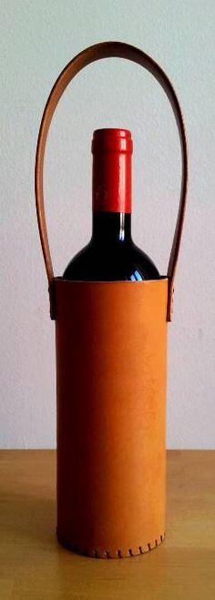 Portabottiglia personalizzabile in cuoio, fatto a mano di CuMStyle su Etsy