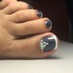 Zehennageldesign Shellac pedicure designs toenails flower nails ideas Wedding Music: Areas And O Cute Toe Nails, Toe Nail Art, Shellac Pedicure, Pedicure Ideas, French Pedicure Designs, Nagel Hacks, Nails Design With Rhinestones, French Tip Nails, Toe Nail Designs