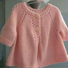 Our day is a very lush robbed day … Hey Bee-Otch Mittens Mitten Pattern Knitting Pattern Bee Baby Cardigan Knitting Pattern, Mittens Pattern, Baby Knitting Patterns, Baby Patterns, Baby Girl Cardigans, Knit Baby Sweaters, Magia Do Crochet, Handgemachtes Baby, Child Baby