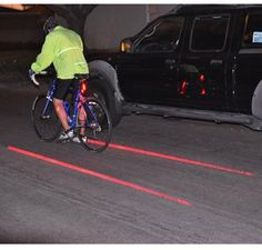Bisiklet Güvenlik Işığı 29.90 TL  Bisiklet kullanıcıları için gece sürüşlerinde güvenliği artırmak amacı ile üretilmiş son derece kullanışlı bir üründür. Kendinizin ve sevdiklerinizin emniyeti için muhteşem bir yardımcı.