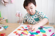 마니아 컬럼(육아) - 여성포털이지데이 Art For Kids, Kids Rugs, Decor, Decoration, Art Kids, Decorating, Kid Friendly Rugs, Dekorasyon, Dekoration