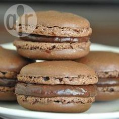 Macarons authentiques au chocolat @ allrecipes.fr