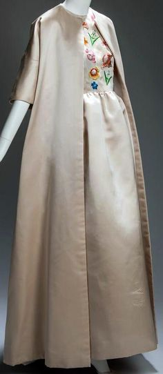 Givenchy Habillera Egalement Jacqueline Kennedy - Robe et Manteau - 1961