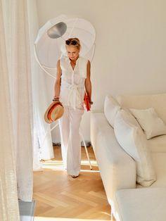 Die Bloggerin Bibi Horst stylt Leinen in vielen Variationen. | Stilexperte für Styling und Anti-Aging 45+ Paisley, 50 Fashion, Fashion Ideas, Smart Casual, Horst, Chic, My Style, Interior, Anti Aging