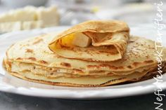 French crepes (Add one more egg and approximately one more glass of flour per person. There are versions that suggest using just milk instead of a mixture of milk and water. Turkish Breakfast, What's For Breakfast, Breakfast Pancakes, Breakfast Recipes, French Crepes, Crepe Recipes, Cookery Books, Turkish Recipes, Easy Meals