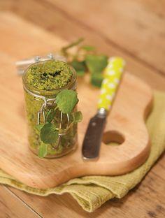 Pesto au cresson / Ingrédients : 50 g de feuilles de cresson – 25 g d'huile…