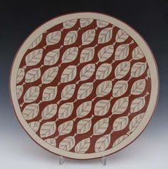 Ron Philbeck. Platter w. repeating leaf pattern