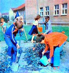 https://flic.kr/p/GjF3B9 | DDR Kinder,DDR Pioniere,Thälmannpioniere,DDR Jungpioniere,DDR Schule