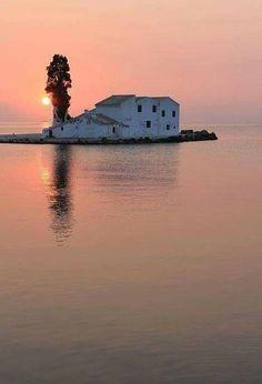 A Sense Of Tranquillity and sunrise landscape photography Places Around The World, Travel Around The World, Around The Worlds, Reflection Pictures, Corfu Greece, Chula, Traveling With Baby, Greek Islands, Sunrise