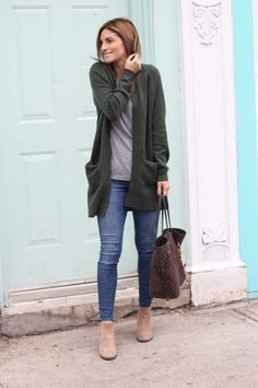 Cozy weekend uniform! Loving this oversized cardigan from Nordstrom. Perfect fall outfit idea!