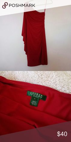 Ralph Lauren dress Very elegant I wore once. Its a size 2 but I'm a size 8 and it fit perfect. Ralph Lauren Dresses Midi