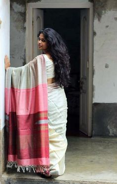 Beautiful Handloom Saree with Pink and Red Pallu