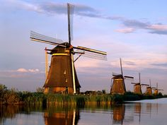 Rotterdam Windmill Famous | The windmills of Kinderdijk are one of the best known Dutch tourist ...