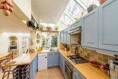 4 bedroom end of terrace house for sale in Lynton Road, London, - Rightmove Side Extension, London Townhouse, Best Tiny House, Side Return, Kitchen Remodelling, House Extensions, Home Kitchens, Property For Sale, Terrace