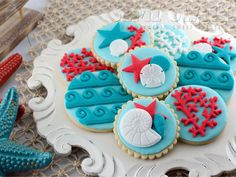 Here's a tutorial for easy nautical sea life cookies using a fondant mold. Plus, enter for a chance to win your own fondant mold prize pack by Wilton.