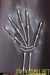 Preschool Crafts for Kids*: Halloween Q-tip Skeleton Silhouette Craft Halloween Kunst, Fall Halloween, Halloween Crafts, Halloween Decorations, Halloween Stuff, Vintage Halloween, Halloween Makeup, Halloween Costumes, Art For Kids