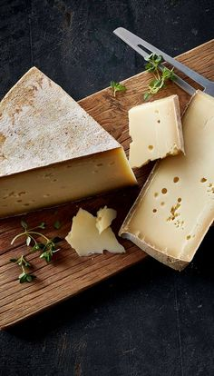 Baked Potato Bar, Cheese Store, Picnic Sandwiches, Havarti Cheese, Cheese Tasting, Types Of Cheese, Roasted Nuts, Wine Cheese, Cheese Cloth
