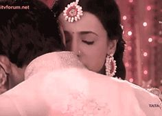 Khushi Kumari Gupta Arnav Singh Raizada Sanaya Irani Barun Sobti Duele Amar - Rabba Ve - Iss Pyaar Ko Kya Naam Doon? Best Love Stories, Love Story, Arnav Singh Raizada, Cute Hug, Arnav And Khushi, Sanaya Irani, Tv Actors, Lovey Dovey, Kos