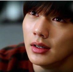 yoo seung ho actor korean model fashion black smile cute