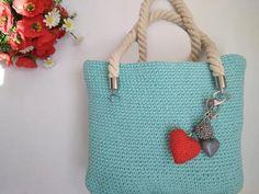 Háčkovaná taška , Háčkovanie, fotopostup - Artmama.sk Keds, Straw Bag, Crochet, Diy, Fashion, Moda, Bricolage, Fashion Styles, Ganchillo